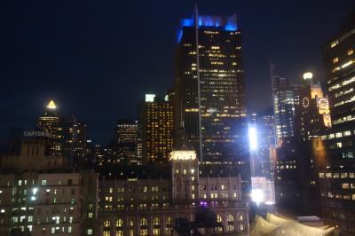 部屋の窓から見た夜景。