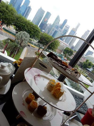 シンガポールらしい景色を眺めながらのアフタヌーンティー。