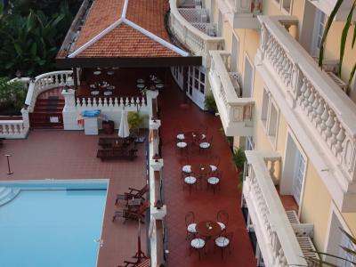 洗練されたコロニアルホテル
