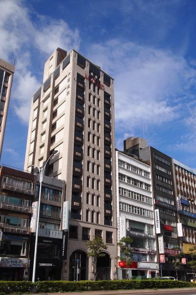 ホテルの外観。一番背の高い建物です。