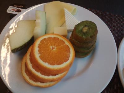 オレンジが美味しかった。キウイはニュージーランド産のようです