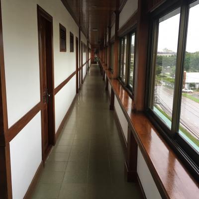 廊下、なんか不思議な造り?