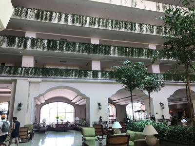 ホテルのエントランスホール