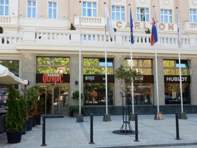 ホテル(というよりカジノ部分を含む入口)の外観