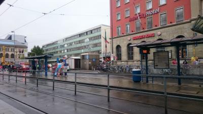 ミュンヘン中央駅の隣。一階がバーガーキングです。