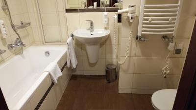 洗面台が狭くドライヤーは故障