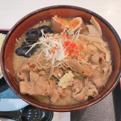 麺は普通、ザンギはリピ有りの美味。
