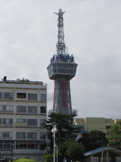 時間のある方は、登ってみてください。レトロなタワーです。