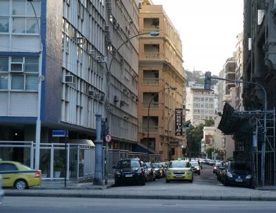 ホテルの前は一方通行