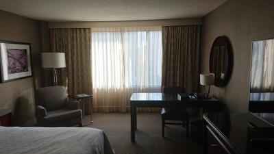 ベッドルーム(窓側)