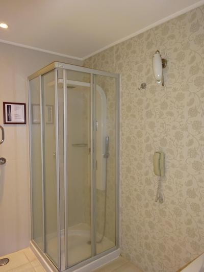 シャワールームもありました。