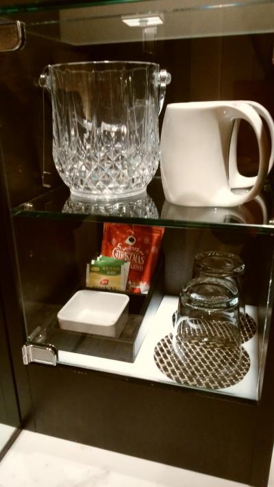 コーヒー×2とお茶×4。おしゃれなマグカップ