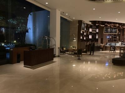 ジャカルタで唯一のヒルトン系ホテル。ダブルツリー ディポネゴーローは格安で十分満足できるホテル