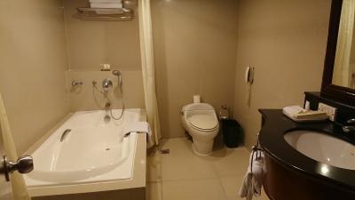 旧さは否めないですが、広めのバスルーム
