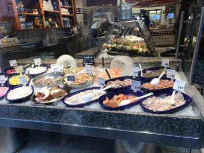 新鮮なお魚料理が人気のようです♬