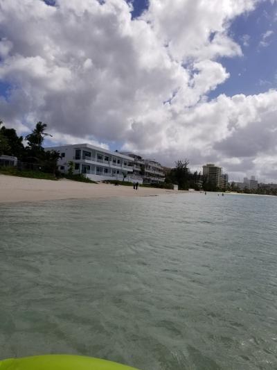 徒歩でいける近場のビーチはとってもクリア!