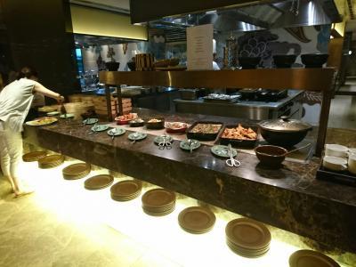 朝食会場の一部です、まだまだ沢山のお料理がありました!