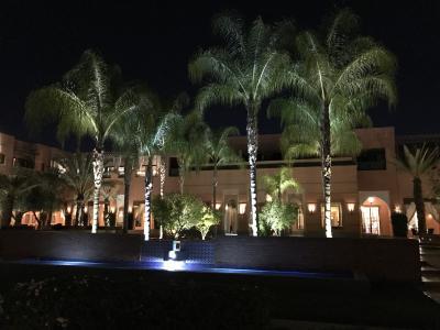 ロビー棟の夜景