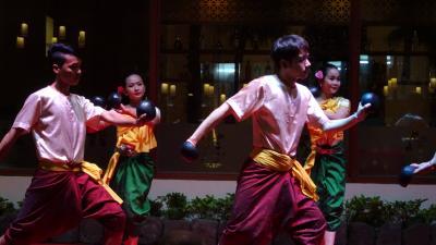 レストランの古典舞踊