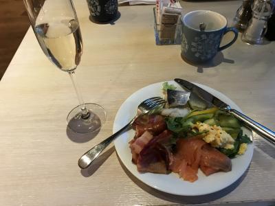 朝食、シャンパン付き