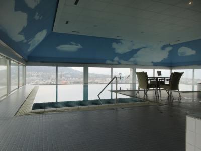 最上階にあるプール