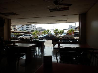 ホテル1階のレストラン