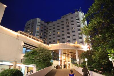 スリンで一番のホテル