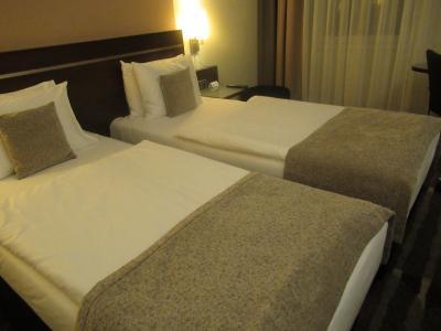 ベッドの幅が狭いです
