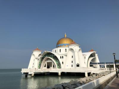 エキゾチック感あふれるモスクでしたが・・・・