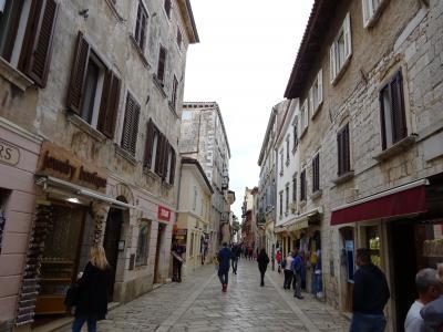 ポレチュ旧市街の商店街