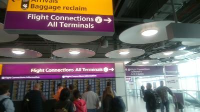 アイルランドへの乗り継ぎはイギリス入国後の国内線扱いでした