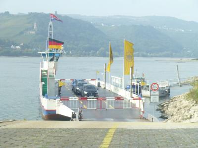 ライン川のフェリーは予想以上に多くあるが、、ビンゲン・リューデスハイム間が一番乗客も多い所だ。