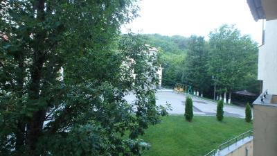 山の上のホテルだが、低層階からの眺望はイマイチであった。