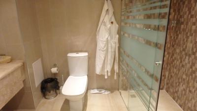 この部屋はシャワーのみ。