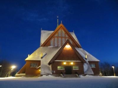 サーミ人のティーピーを模したキルナ教会