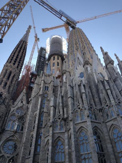 壮大な建築