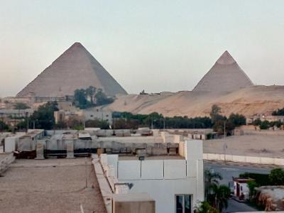 ピラミッドがよく見えるホテル