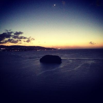 夕焼け、あの島の周りには沢山の魚が