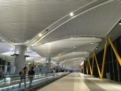 動線は分かりやすく適度に空いている新空港