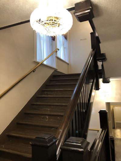 階段。エレベーターはありません。