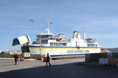 マルタ島からゴゾ島へのフェリー旅。