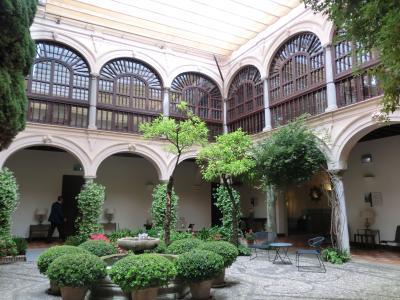 アルハンブラ宮殿の敷地内にある 修道院を改装したホテル