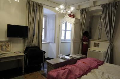 ドブロブニク旧市街で貴重な、アパートメントタイプでないホテル