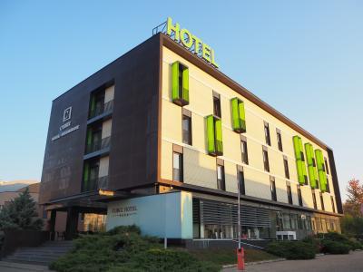 大型ショッピングセンターの近くの便利なホテル