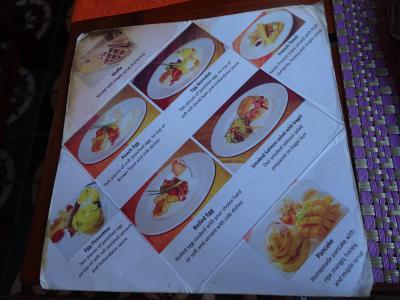 朝食の別メニュー ブッフェ+エッグベネディクトやパンケーキ等