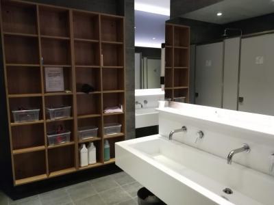 洗面、お手洗い、シャワールームがまとまっているエリア。