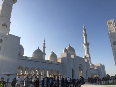 細部まで美にこだわった超豪華モスク