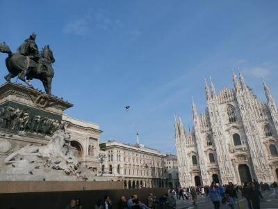ドゥオーモ (ミラノ大聖堂)は、行ってみる価値ありです。