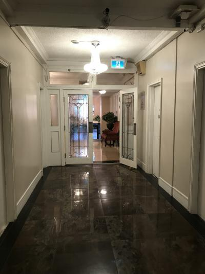 廊下は広々
