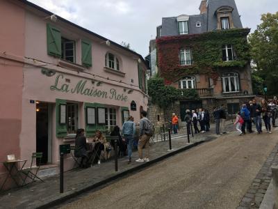 モンマルトルの素敵なレストラン